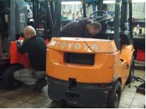 naprawa serwisowa wózków widłowych w siedzibie firmy